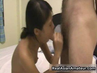 Cutie asiatisch mieze blows und receives rammed