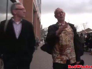असली हुकर cumswaps साथ एक डर्टी पुराना bastard