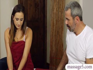 Sexy client Ashley Adams pussy banged by horny masseur