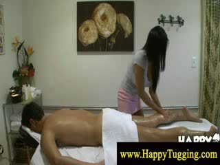 Masseuse gets а чувство на тя нов играчка