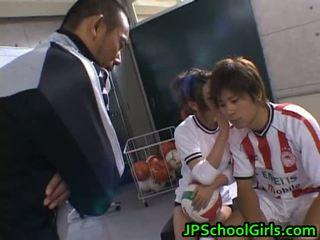 Ilus alasti aasia schoolgirls