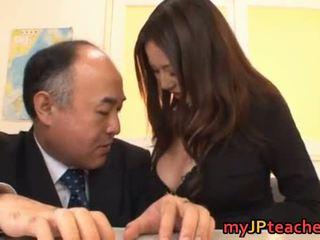 거유 일본의 선생