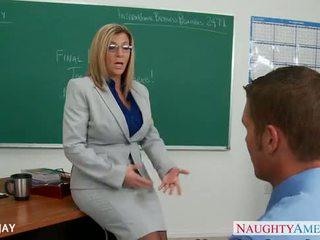 Milf učitelj sara jay jebemti študent