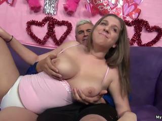 Seksi rjavolaska alex priložnost gets ji muca fingered