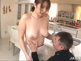 Pechugona japonesa does boobjob