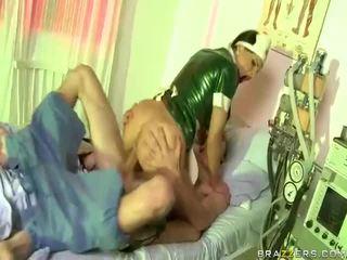 Vídeo de enfermera has sexo con dude