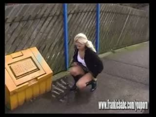 Naughty blonde FrankieBabe caught on camera peeing outdoors in public