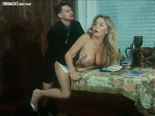 Moana pozzi - gambar/video porno vulgar adegan kompilasi dari amiche del cazzo