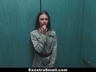 Exxxtrasmall - extra väike eskort stretched poolt a tohutu riist