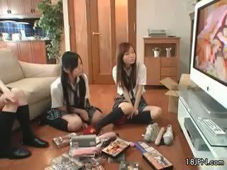 Söpö aasialaiset babes saada kimainen katsomassa part5