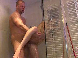 Teen Girl hart der unter Dusche gefickt