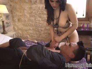 امرأة سمراء أي, الجنس عن طريق الفم, على الانترنت اللعب عظيم