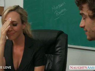Blondin läraren brandi kärlek ridning kuk i klassrummet