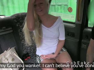 Британка білявка недосвідчена трахкав в fake taxi