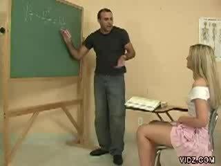 kolegj, vajzë kolegj, student