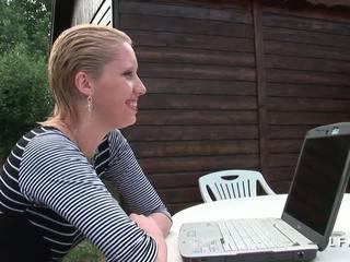 Cindy Picardie Grave Sodomisee Dans Le Jardin: Free Porn ea