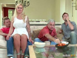 Brazzers - taşaklar takes bazı genç deli - porn video 451