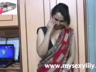 Ινδικό μωρό lily σεξ δάσκαλος