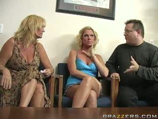 Perverted blondin ahryan astyn has henne taco banged i den klassrummet