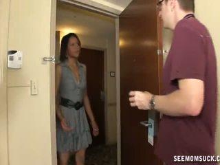 ใช้ปากกับอวัยวะเพศ ใน the โรงแรม ห้อง