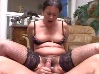 Multiple cumshots: 免費 squirting 色情 視頻 b6