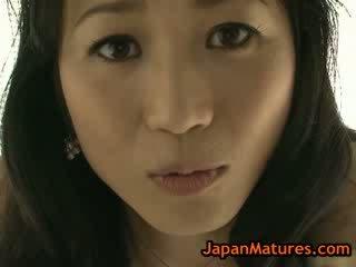 Asiatisch reif natsumi kitahara entkleiden