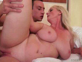 Grandmas i hot sex kavalkade
