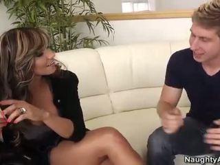 Esperanza gomez takes egy fiatal fasz tovább a kanapé