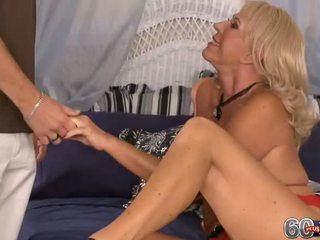 Mandi mcgraw cums gives und takes es im die arsch