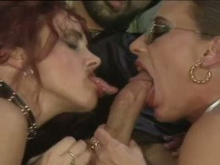 Bea dumas&carol bentley - telungsawetara with 2 boys: free porno 31