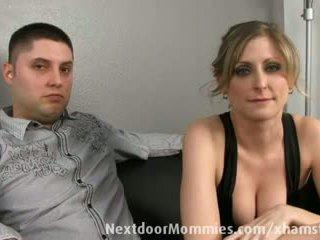 Guy chtít jeho manželka banged podle a černý kohout