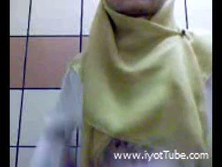Muslim teismeline sõrmekas tussu edasi dušš tuba
