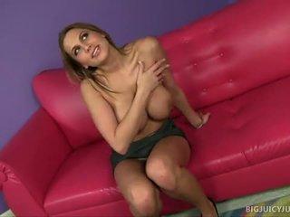 Alanah rae s velký kozičky jiggle během pohlaví
