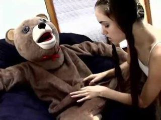 Sasha grey fucks en teddy bjørn