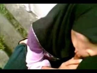 Arab muslim hijab дівчина смоктати cook-sexyhijaber.com