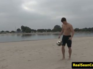 Solo hunk tugs at thrusts until he cums