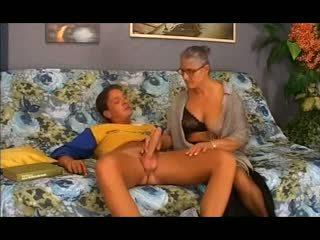 Régi nagyi takes azt -ban a segg, ingyenes anális porn 12