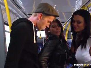 Autobus trtkanie pre sexy holky madison ivy a ja