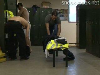 警察 changing 室