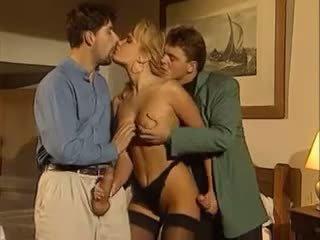 aisankannattaja, threesomes