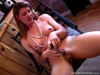 Shagging 그녀의 성욕을 자극하는 여성 성기