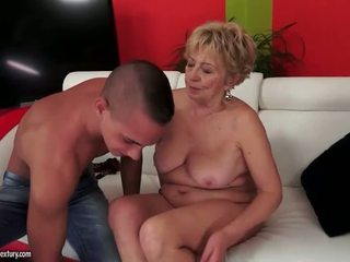 Rondborstig mollig grandmas seks compilatie