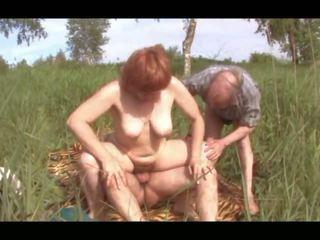 Sex Outdoors: Free Amateur Porn Video 02