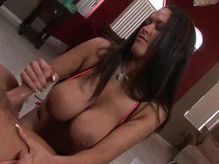 श्यामला, बड़े स्तन, carmella bing