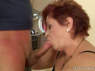 Дебели баба enjoys неприятен секс