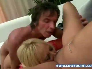 Squirting pornostar annie cruz e georgia peach