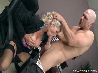 Emma starr och johnny sins knull inuti den kontors