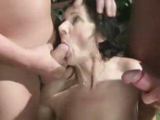 Lulanje fetiš babi amaterke loves scanje orgija