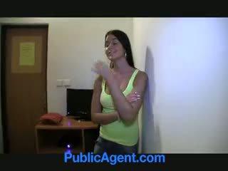 Publicagent agata สวยน่าทึ่ง foxy blue eyed ผมสีบรูเนท