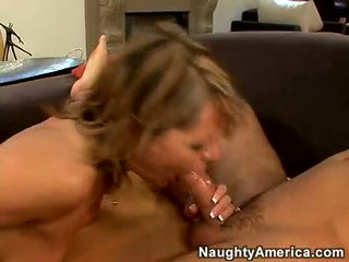Hot Momma Kelly Leigh Munches A Biggest Cock With Pleasure Til She Chokes